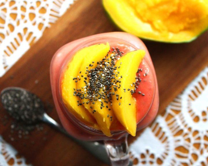 Raspberry, μάνγκο Smoothie με σπόρους chia